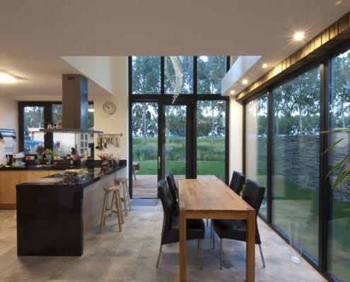 Keuken en eethoek met vide