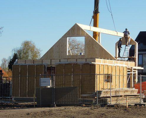 Strohuis in Achterberg tijdens de bouw